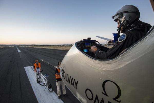 solar-airplane-10