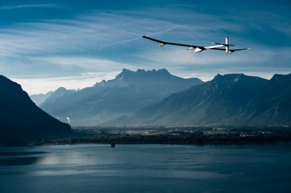 solar-airplane-2