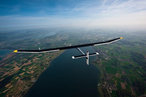 solar-airplane-3