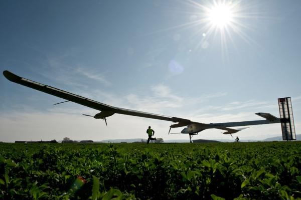 solar-airplane-6