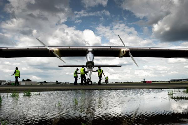solar-airplane-7