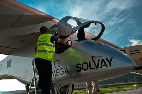 solar-airplane-9