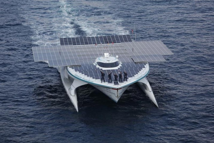 The-Solar-Powered-Boat-1-715x477